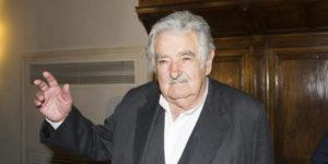Jose' Pepe Mujica presenta il suo libro La felicita' al potere
